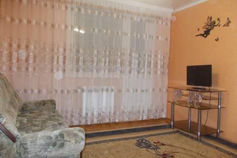 Сдается 1-комнатная квартира посуточно в Яровом, Квартал А дом 35.