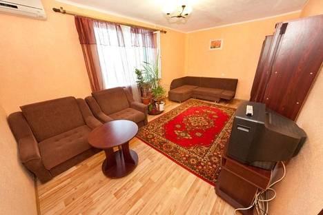 Сдается 2-комнатная квартира посуточно в Феодосии, Строительная, 1.