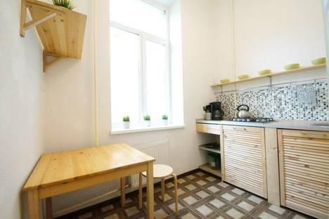 Сдается 1-комнатная квартира посуточнов Санкт-Петербурге, ул. Гражданская, 28.