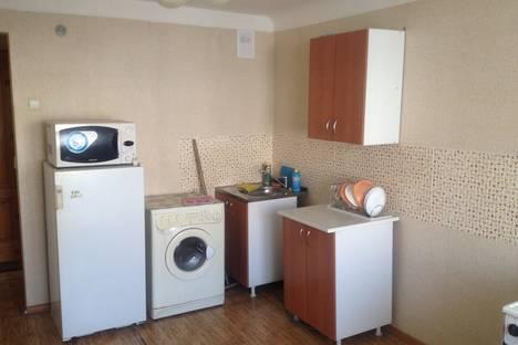 Сдается 1-комнатная квартира посуточно в Назарове, ул. 30 лет ВЛКСМ, 104.
