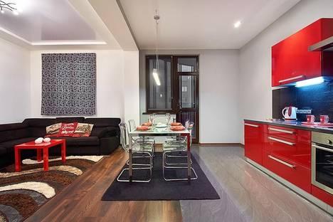Сдается 2-комнатная квартира посуточно, Пороховая 9/1.
