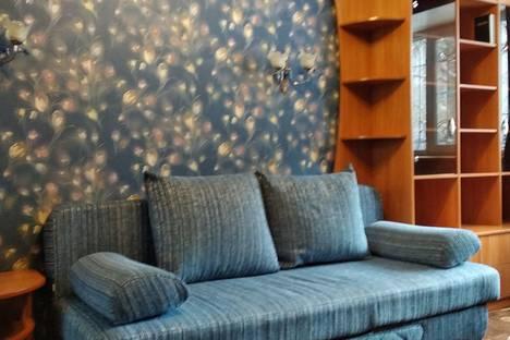 Сдается 2-комнатная квартира посуточно в Барнауле, ул. Привокзальная, 5.