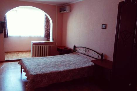 Сдается 1-комнатная квартира посуточно в Алуште, Октябрьская, 43.