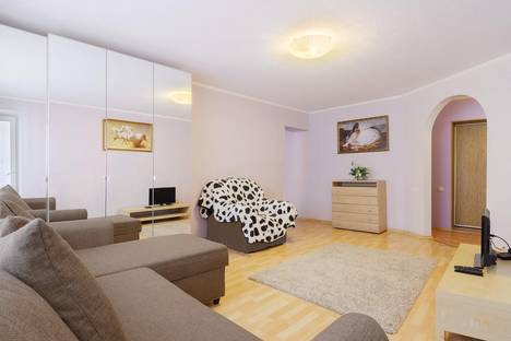 Сдается 2-комнатная квартира посуточно в Ростове-на-Дону, ул. Красноармейская, 224.
