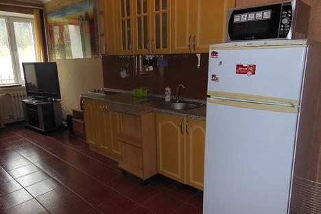Сдается 3-комнатная квартира посуточно в Домбае, ЖК Спутник, 1.