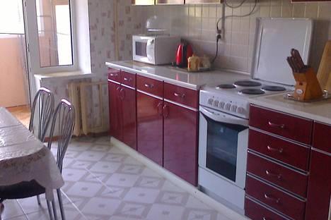 Сдается 2-комнатная квартира посуточнов Малом маяке, Партенитская, 11.
