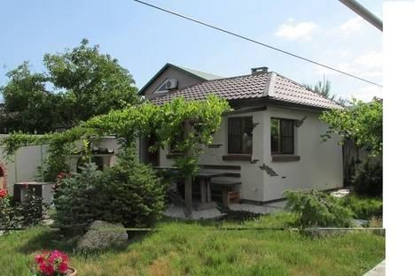 Сдается 2-комнатная квартира посуточно в Новороссийске, пос. Мысхако ул. Ленина 122.