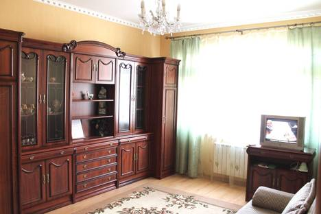 Сдается 1-комнатная квартира посуточно в Ханты-Мансийске, Ленина 40.