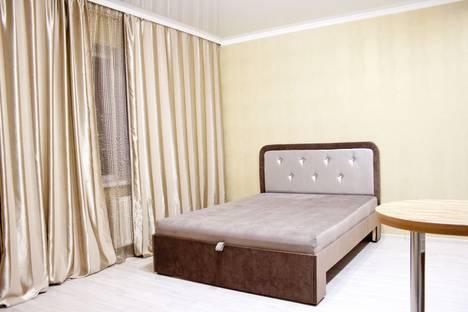 Сдается 1-комнатная квартира посуточнов Тюмени, улица Дмитрия Менделеева, 14.