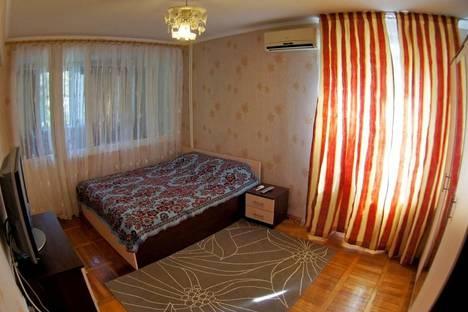 Сдается 2-комнатная квартира посуточнов Сочи, Грибоедова 17.