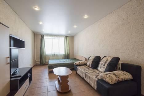 Сдается 1-комнатная квартира посуточно в Воронеже, ул. Пеше-Стрелецкая, 98.