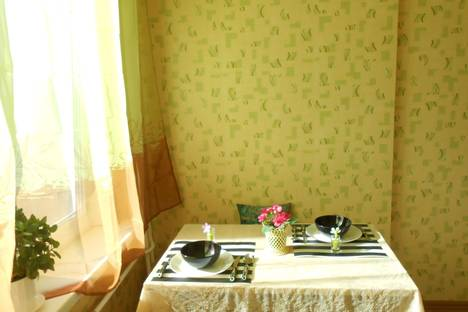 Сдается 2-комнатная квартира посуточнов Санкт-Петербурге, ПУШКИН, ул. Ростовская 16.