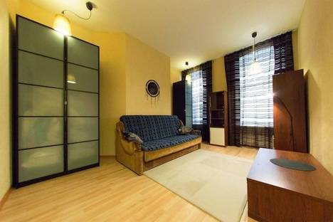 Сдается 2-комнатная квартира посуточнов Санкт-Петербурге, Пушкинская 9.