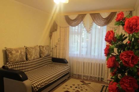 Сдается 1-комнатная квартира посуточно в Караганде, ул. Алиханова, 40.