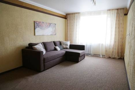 Сдается 1-комнатная квартира посуточнов Чебоксарах, ул. Ленинского Комсомола, 5.