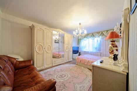 Сдается 1-комнатная квартира посуточно в Санкт-Петербурге, 15 линия Васильевского острова, 32.