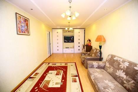 Сдается 2-комнатная квартира посуточнов Актобе, 12-й микрорайон, 45.