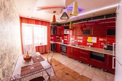 Сдается 3-комнатная квартира посуточно в Уфе, Менделеева 128/1.