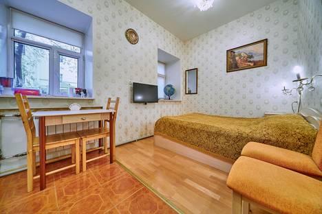 Сдается 1-комнатная квартира посуточнов Санкт-Петербурге, ул. Гороховая, 48.