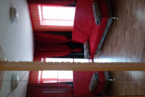 Сдается 1-комнатная квартира посуточно в Ангарске, 72квартал 16 дом.