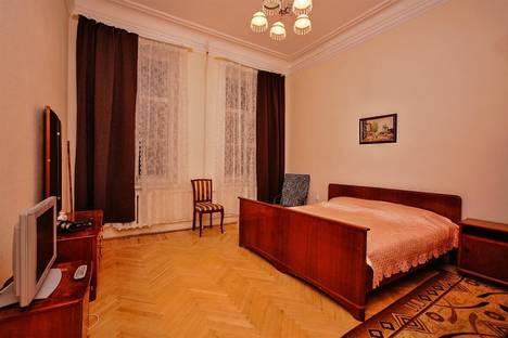 Сдается 3-комнатная квартира посуточно в Санкт-Петербурге, переулок Кирпичный, 3.