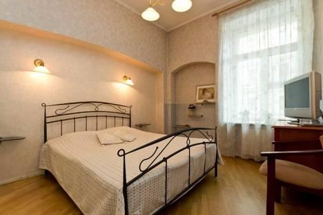 Сдается 3-комнатная квартира посуточно в Санкт-Петербурге, Невский проспект, 79.