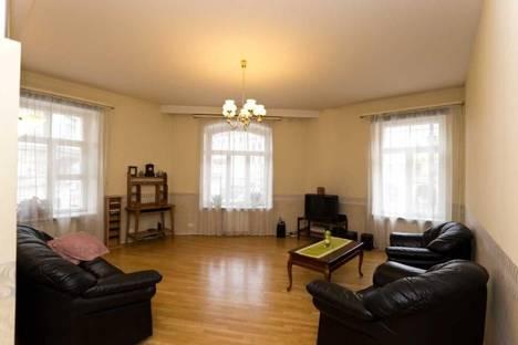 Сдается 3-комнатная квартира посуточно, Невский проспект, 79.