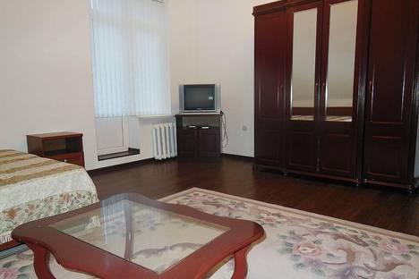 Сдается 2-комнатная квартира посуточно в Домбае, ЖК Спутник, 8.