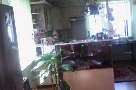 Сдается 2-комнатная квартира посуточно в Благовещенске, ул. Горького, 116.