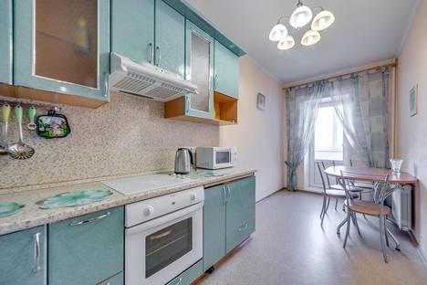Сдается 2-комнатная квартира посуточно в Санкт-Петербурге, ул.Варшавская, д.19, к.2.