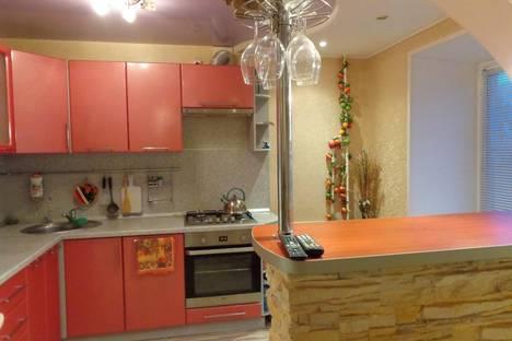 Сдается 3-комнатная квартира посуточно в Великом Устюге, ул. Виноградова, 45.