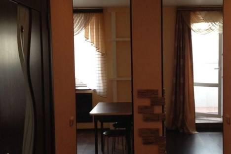 Сдается 2-комнатная квартира посуточно в Кирове, ул. Карла Либкнехта, 13.