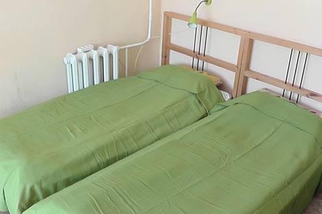 Сдается 1-комнатная квартира посуточнов Кировске, Олимпийская, 85.