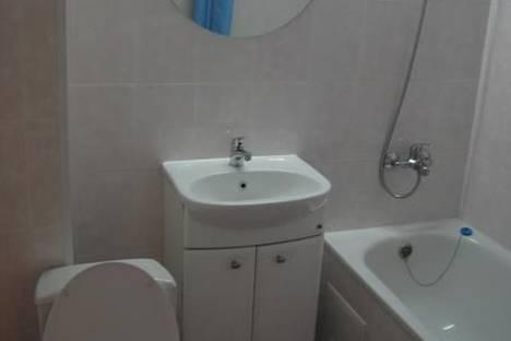 Сдается 1-комнатная квартира посуточно в Кировске, Олимпийская, 85.