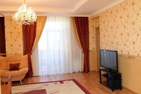 Сдается 3-комнатная квартира посуточнов Караганде, Бухар - Жырау, 30.