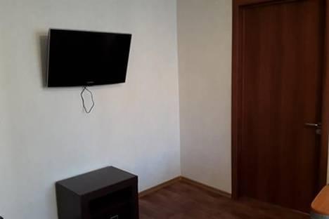 Сдается 2-комнатная квартира посуточнов Тюмени, ул. Орджоникидзе, 62.