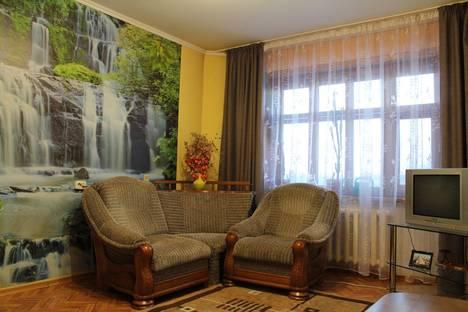 Сдается 3-комнатная квартира посуточнов Белокурихе, ул. Братьев Ждановых, 11.