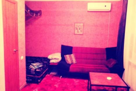 Сдается 1-комнатная квартира посуточно в Ставрополе, ул. Архангельская, 1/2.
