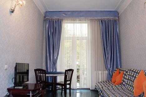 Сдается 2-комнатная квартира посуточно в Алматы, проспект Абылай хана, 113.