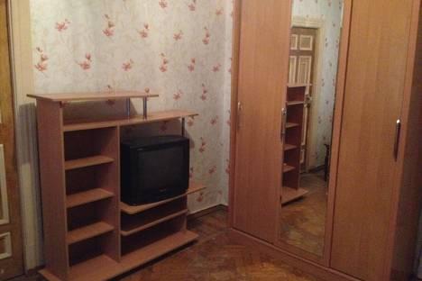 Сдается 1-комнатная квартира посуточно в Североморске, ул. Сафонова, 25.