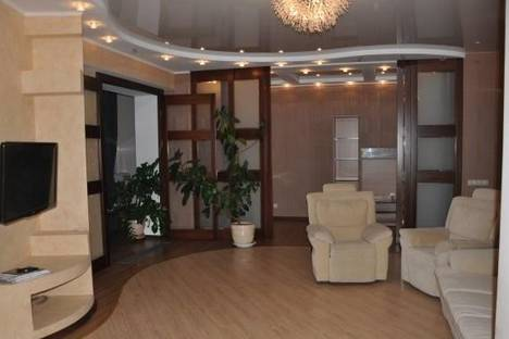 Сдается 3-комнатная квартира посуточнов Челябинске, ул. Академика Королева, 1.