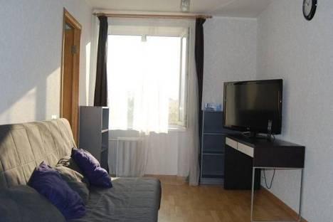 Сдается 2-комнатная квартира посуточнов Челябинске, ул. Кирова, 15а.