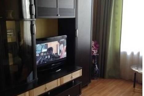 Сдается 2-комнатная квартира посуточнов Челябинске, ул. Братьев Кашириных, 107.