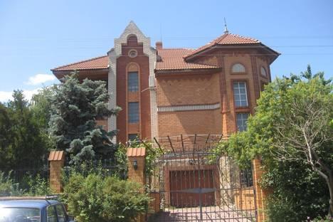 Сдается 3-комнатная квартира посуточно в Волгодонске, ул. Гагарина, 57.