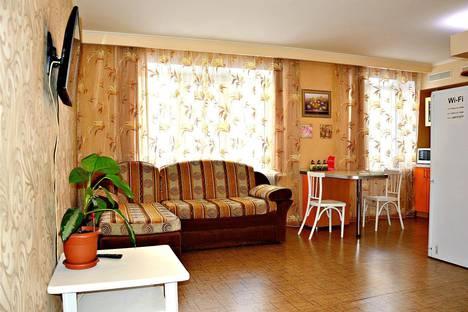 Сдается 1-комнатная квартира посуточно в Саратове, ул. Слонова, 74/76.