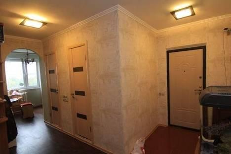 Сдается 2-комнатная квартира посуточнов Челябинске, ул. Братьев Кашириных, 85а.