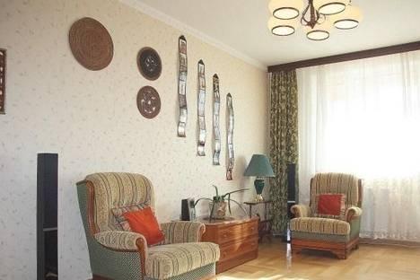 Сдается 2-комнатная квартира посуточнов Челябинске, ул. Косарева, 63.