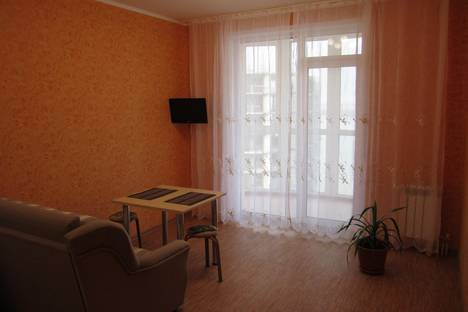 Сдается 2-комнатная квартира посуточно в Барнауле, ул. Приречная, 5.