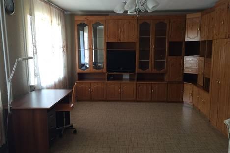 Сдается 2-комнатная квартира посуточно в Барнауле, Красноармейский проспект, 69-Б.