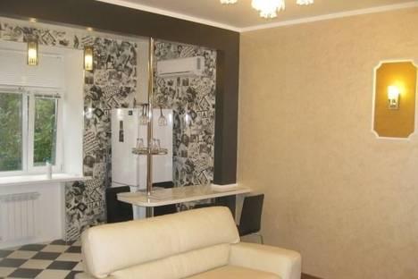 Сдается 3-комнатная квартира посуточнов Челябинске, Свердловский проспект, 8.